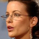 Kate Beckinsale wears Rimless