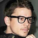 Josh Hartnett wears Wayfarer Style